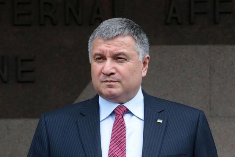 Аваков раскритиковал подозрение АТОшнику, который убил одного из пьяных нападавших