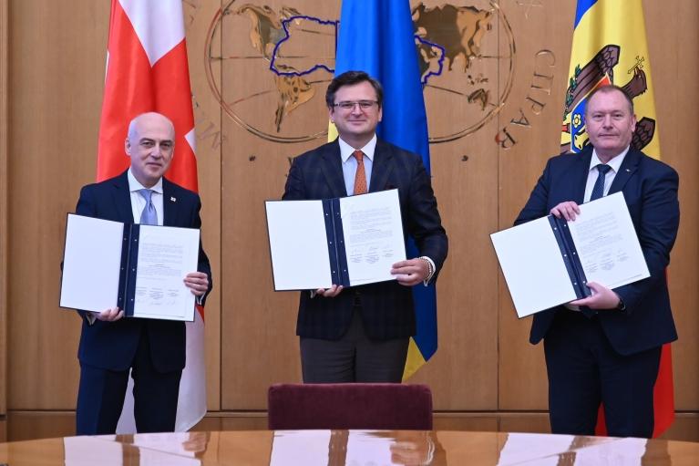 """У ЄС схвалили створення """"Асоційованого тріо"""" України, Грузії і Молдови"""