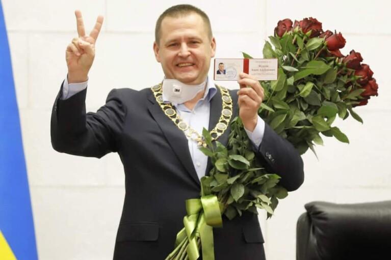 """Тиждень в регіонах. Трійка нових губернаторів, """"слуги"""" зміцнюються на Київщині і замогильний гумор Філатова"""