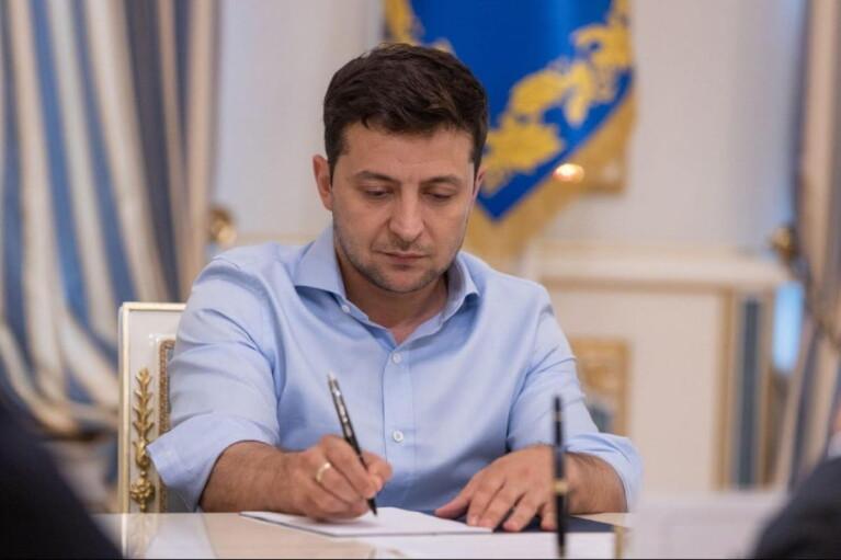 Зеленский сменил начальника Генштаба, командиров ООС и ДШВ