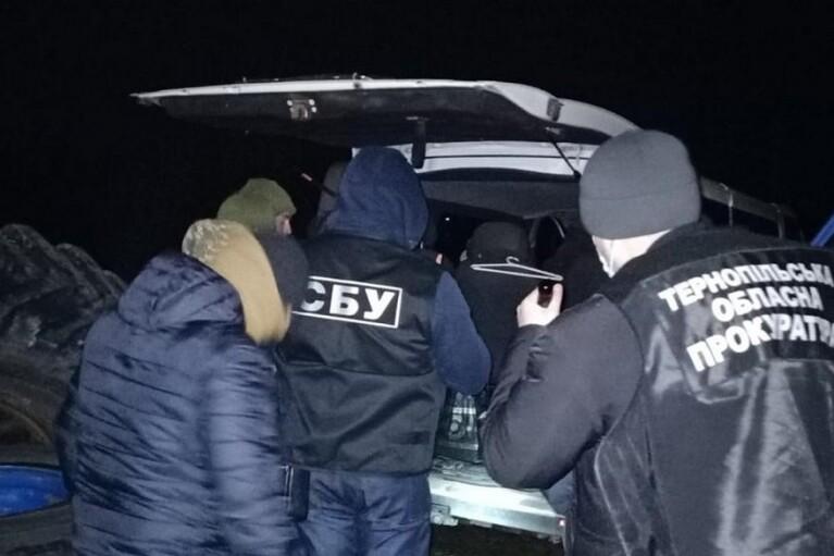 На Тернопольщине налоговика подозревают в вымогательстве 1 млн грн взятки (ФОТО)