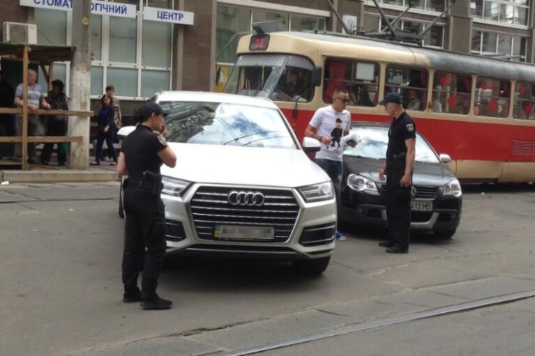 """Паркуюсь, як жлоб. Коли Тимошенко піде війною на """"листи щастя"""""""