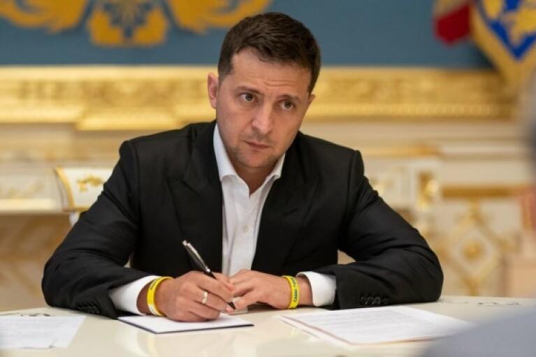 Состав украинской делегации в ТКГ изменился: Зеленский подписал указ