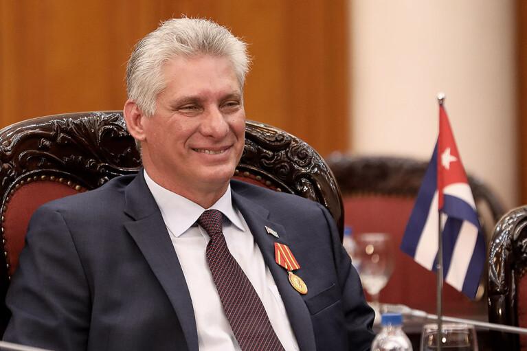 Конец эпохи Кастро: Кубу впервые возглавил гражданский