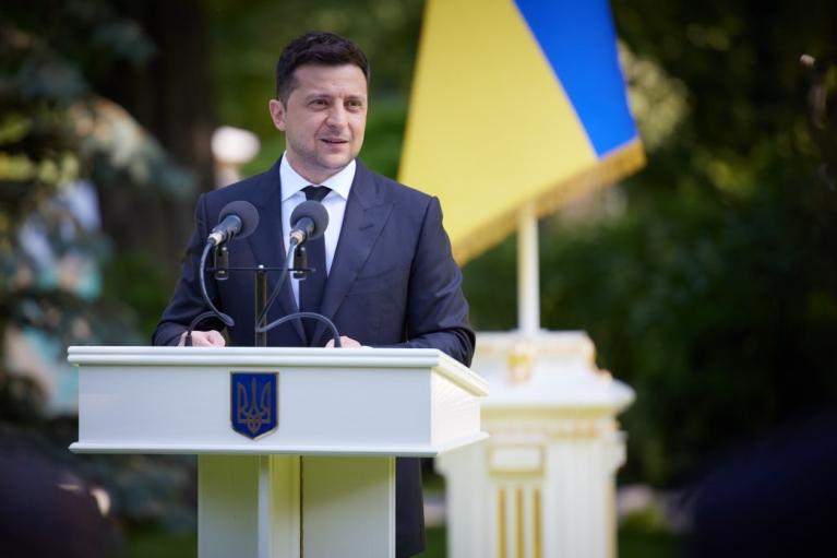 Зеленский пообещал клиники европейского уровня в каждой области Украины