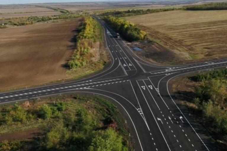 """Луганская область уже выполнила план 2021 года по восстановлению дорог в рамках """"Большой стройки"""""""