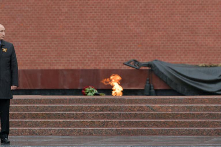 У Путіна пояснили, чому він не привітав з Днем перемоги Зеленського