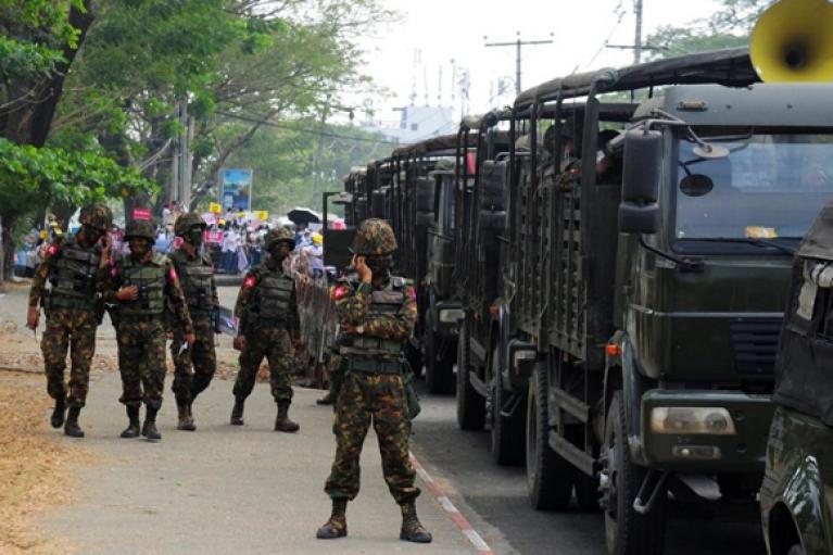 За день протестов в Мьянме силовики убили более 80 человек