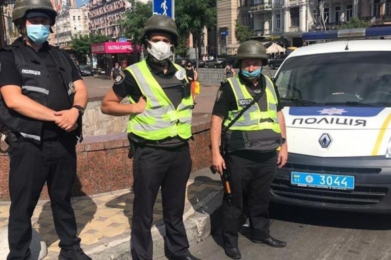 У МВС приготувалися до 8 і 9 травня: На вулиці виведуть тисячі поліцейських і нацгвардейцев