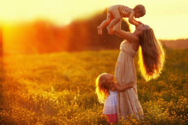 Сьогодні в Україні та світі відзначають День матері: історія