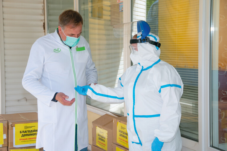 Многоуровневая защита. Как «Интерпайп» оберегает работников от COVID-19 и помогает медикам