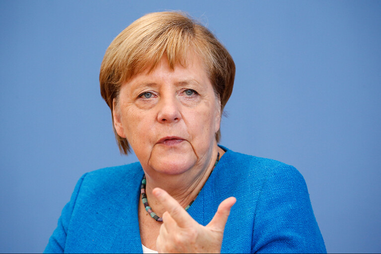 """""""Я и представить себе не могла"""": Меркель была шокирована оккупацией Путиным Крыма"""