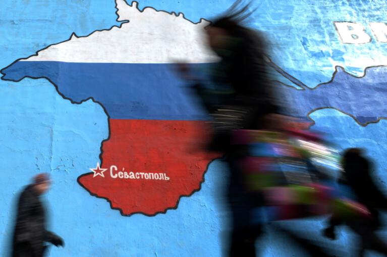 """Бой коллаборантам по-зеленому. За что """"слуги"""" хотят наказывать украинцев на Донбассе и в Крыму"""