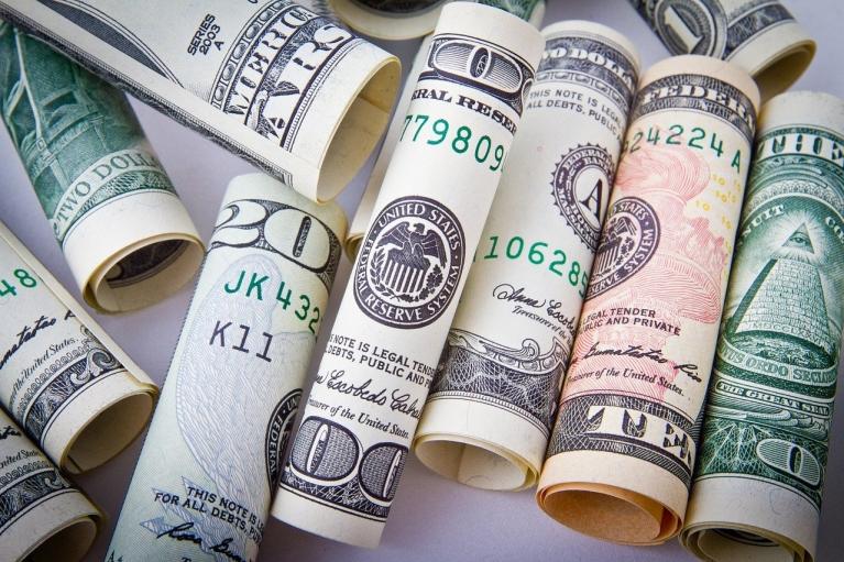 Курс валют на 22 октября: доллар остановился, а евро вырос