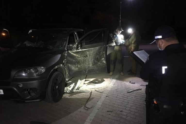 В Івано-Франківську з гранатомета підірвали авто (ФОТО)
