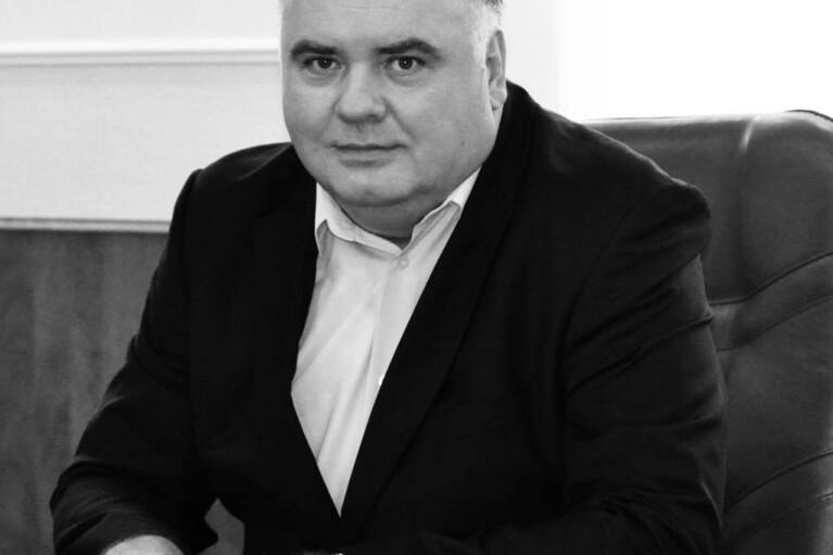 Не дождался прививки: глава Подольского района Киева умер от COVID-19