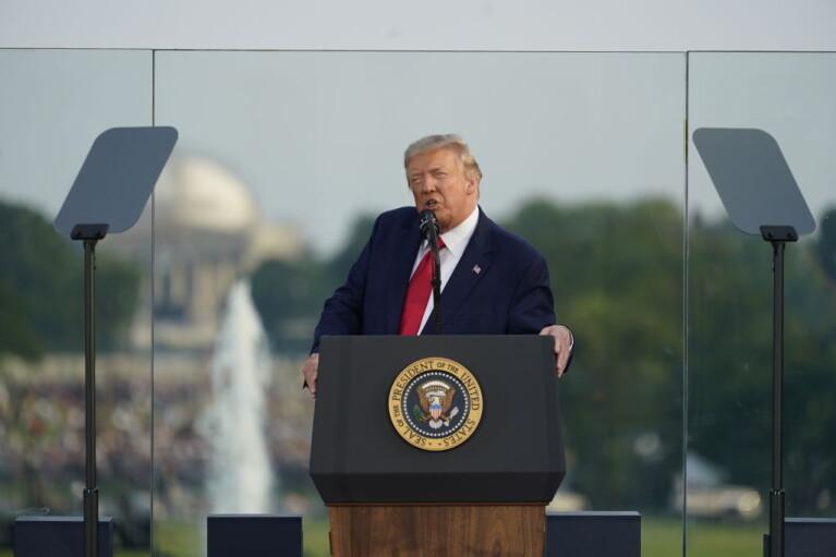 Игры патриотов. Как Трамп превратил президентскую гонку в войну ценностей