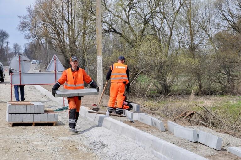 """""""Большая стройка"""" Зеленского обновит до европейского уровня 250 км дорог на Житомирщине"""