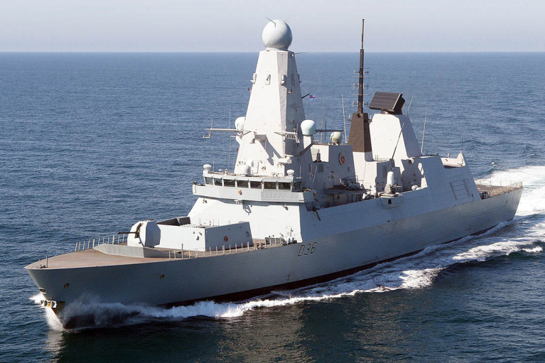 """У Лаврова """"заднім числом"""" заявили про готовність бомбити британський есмінець"""