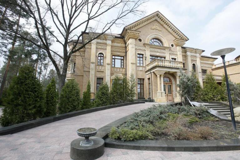 Бегство президента. Почему Зеленский срочно съехал в Конча-Заспу