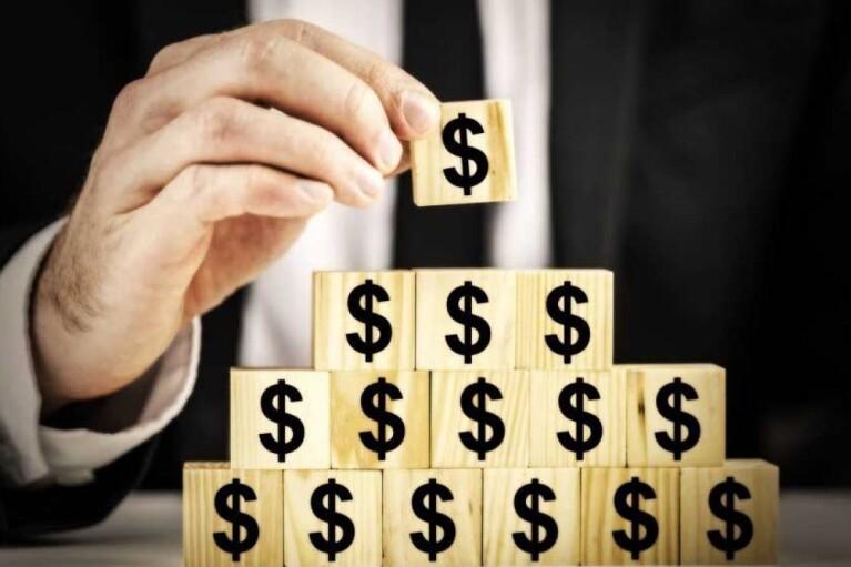 """""""Черный список"""" компаний для инвестиций. Как уберечься от пирамид, кухонных трейдеров и банка-фантома"""