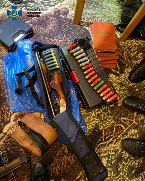 Силовики вилучили вогнепальну зброю без дозвільних документів