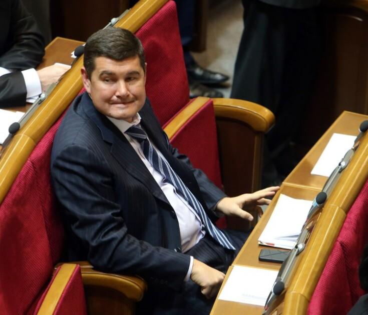 Народный депутат от Партии регионов Александр Онищенко в зале заседаний Верховной Рады, 2012 год