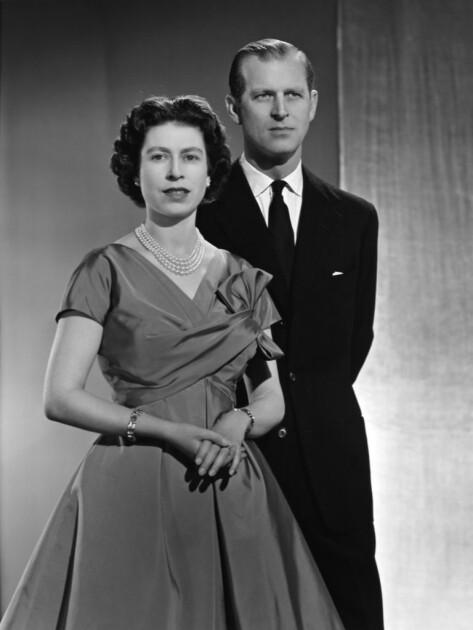 Еще одно архивное фото Филиппа и Елизаветы