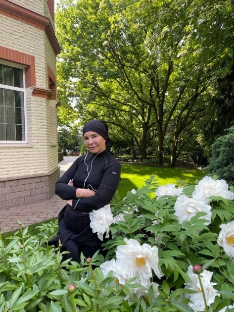 Юлия Тимошенко среди цветов