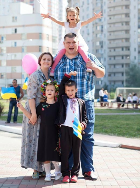 Юрий Корявченков с семьей