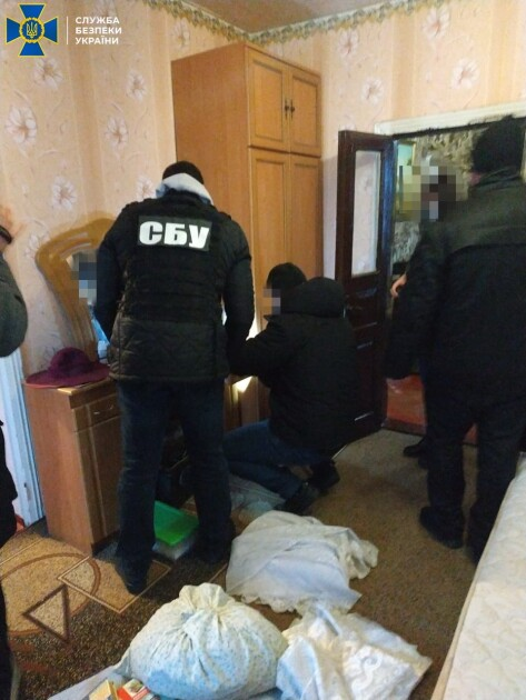 У подозреваемых провели обыски