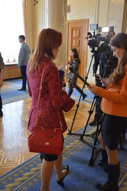 Альона Шкрум та її сумка D&G/Знай.юа