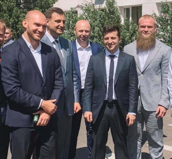 Артем Дмитрук з Володимиром Зеленським / соцмережі